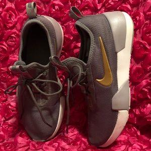 8e186727 Nike Ashin Modern Sock Knit Sneaker